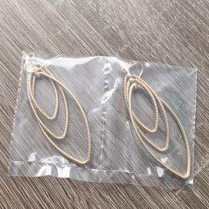AVON Trio twist earrings
